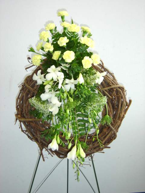 Three types of easel mounted funeral wreaths - California Flower Art ...